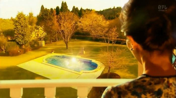 Episode 1 pool lights